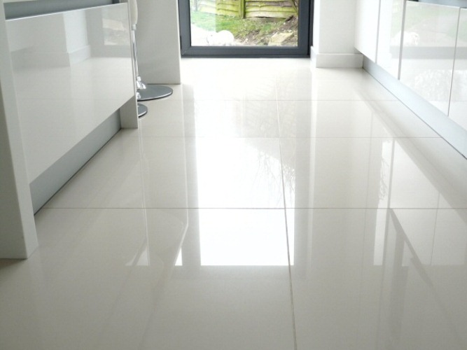 The Pros & Cons of Ceramic Tile Flooring